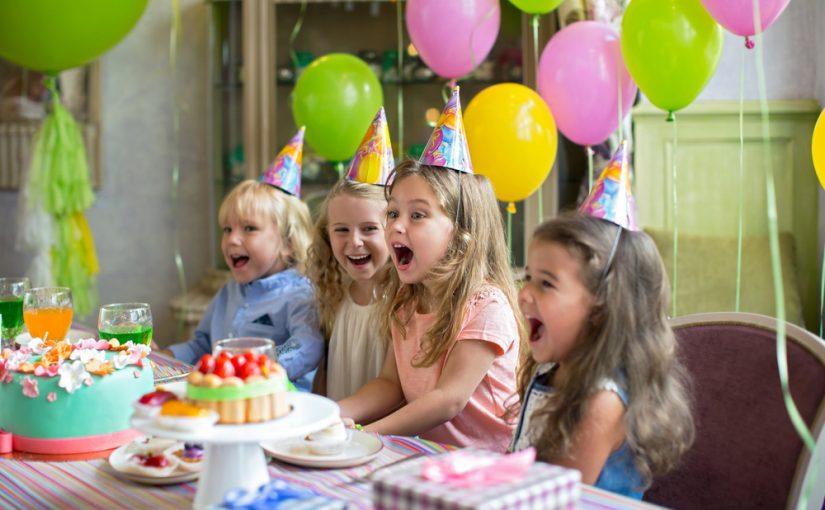 Sådan fejres børnefødselsdagen om sommeren